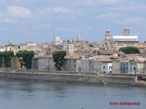 07_Arles_panorama_wiki