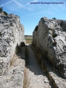 08_Barbegal_aqueduct_wiki